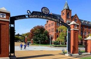 Saint Louis University - Trường dòng Thiên Chúa giáo tại Mỹ