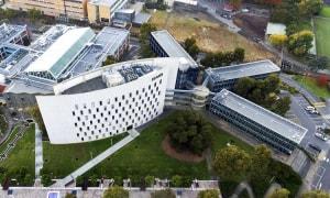 Đại học Deakin, Úc